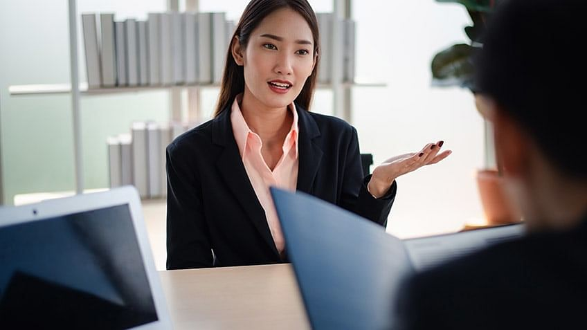 Top OOPs Interview Questions and Answers With Examples in 2021